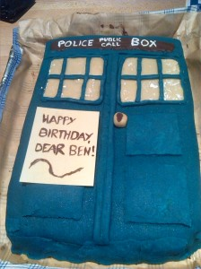 Death-by-TARDIS-Torte